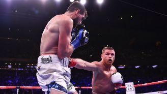 Canelo impacta golpe contra Rocky Fielding