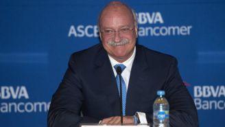 Enrique Bonilla durante una conferencia de prensa