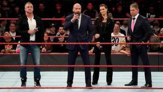 Familia McMahon en el ring de RAW