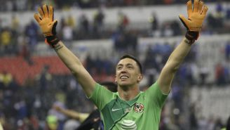 Marchesín celebra un gol del América