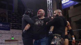 Konnan es golpeado por Low Ki