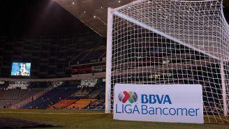 Letrero de la Liga MX en el Estadio Cuauhtémoc