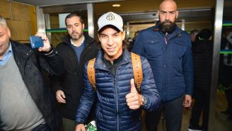 Lainez, en su llegada a Sevilla para reportar con Betis