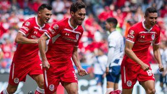 Toluca festejando el gol de Santiago García