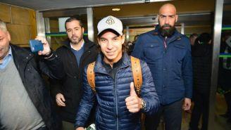 Lainez a su salida del aeropuerto de Sevilla