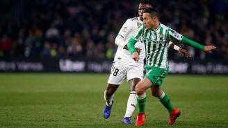 Guardado disputa el duelo contra el Real Madrid