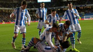 Jugadores de la Real festejan el primer gol frente al Espanyol