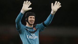 Petr Cech en un partido con el Arsenal