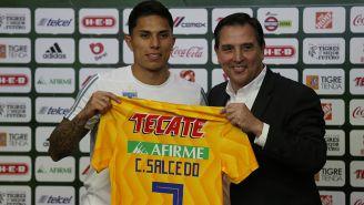 Carlos Salcedo es presentado con Tigres