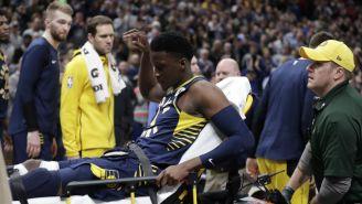 Victor Oladipo es trasladado en camilla tras lesión