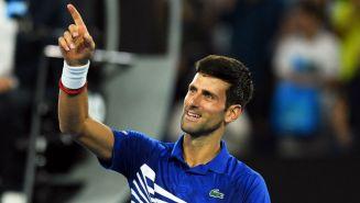 Djokovic festeja tras avanzar a la Final del Abierto de Australia