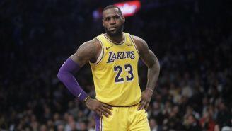 James en un partido de los Lakers
