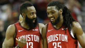 Harden durante un juego de los Rockets