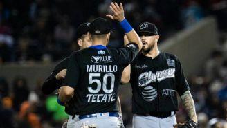 Murillo festeja con sus compañeros
