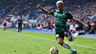 Brian Lozano en partido con Santos