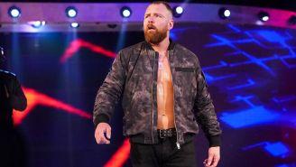 Dean Ambrose hace su entrada en RAW