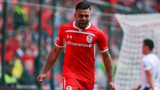 Pedro Canelo festeja un gol con Toluca