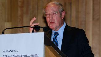 José Ramón Fernández durante la presentación de un libro