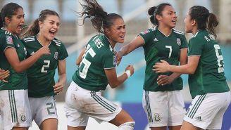 Selección Mexicana Femenil festeja gol