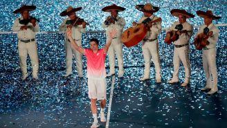 David Ferrer recibe despedida de 'rey' en Acapulco