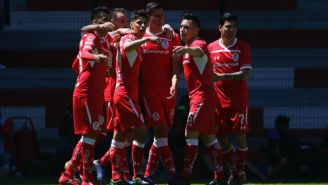 Pablo Barrientos festeja gol contra Veracruz