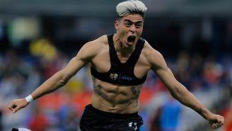Fernández festeja su gol contra América
