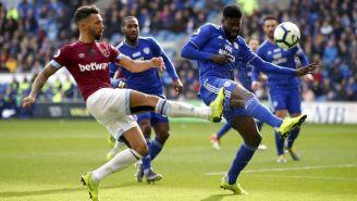 Fredericks y Ecuele durante el partido West Ham vs Cardiff