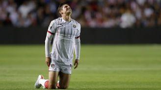 Isaac Brizuela se lamenta durante el partido ante Gallos