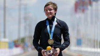 Kelly Catlin con su medalla