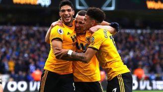 Wolves festeja gol de Raúl Jiménez
