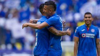 Yotún y Alvarado festeja gol de Cruz Azul