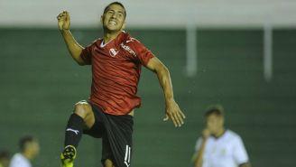 Cecilio Domínguez festeja un gol con Independiente