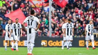 Jugadores de Juventus se lamentan después del partido