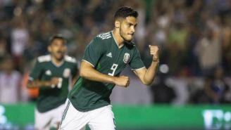 Raúl Jiménez celebra anotación con la Selección Mexicana
