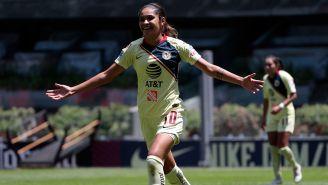 Estefanía Fuentes celebra gol contra Tijuana