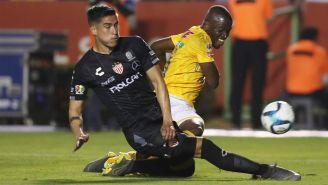 Alexis Peña y Enner Valencia, buscan la redonda
