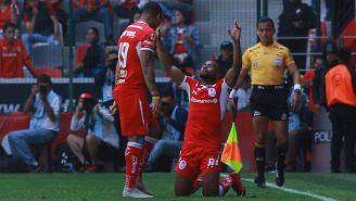 William da Silva festeja gol con Toluca en la J13
