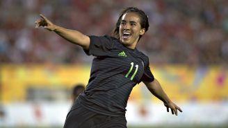 Mónica Ocampo celebra anotación con la Selección Mexicana