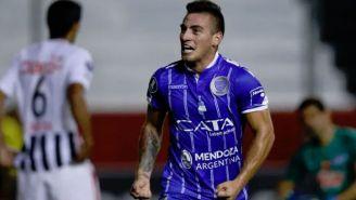 Ángel González festeja triunfo con Godoy Cruz