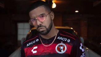 Drake luce jersey de Xolos