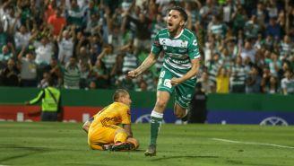 Diego Valdés festeja anotación con los Guerreros