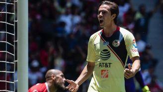 Francisco Córdova festeja su gol ante Toluca