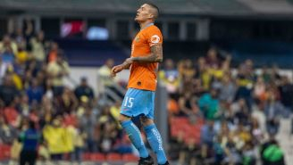 Nico Cstillo durante el partido ante Santos