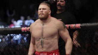Brock Lesnar antes de una pelea en UFC
