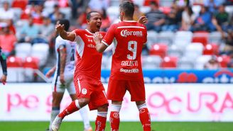 Pardo y Gigliotti celebrando un gol