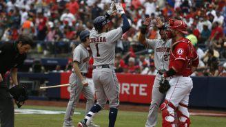 Correa festeja una carrera de los Astros