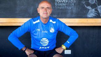 José Luis Sánchez Solá posa para la cámara de RÉCORD