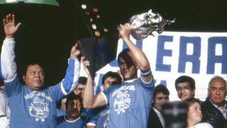 Roberto Ruiz Esparza levanta el título de Liga