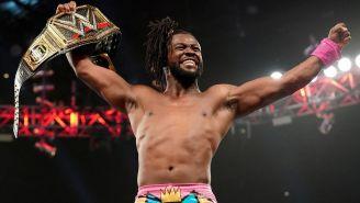 Kofi Kingston festeja después del triunfo