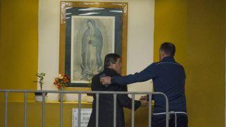 Piojo Herrera y Ricardo Peláez se encuentran en el altar del Azteca
